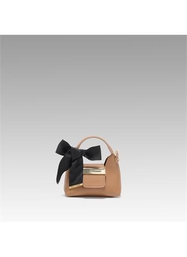 Black Ribbon Aksesuar Detaylı Askılı Micro Çanta Camel